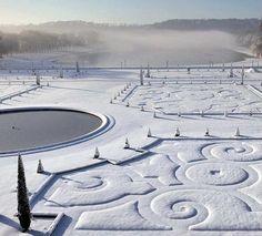 Versailles Gardens #snow #garden #versailles