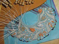 Needle Tatting, Tatting Lace, Bobbin Lacemaking, Lace Art, Drawn Thread, Crochet Collar, Diy Headband, Fabric Beads, Lace Making