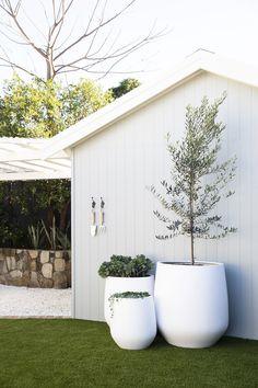 Outdoor Pots, Outdoor Areas, Outdoor Living, Outdoor Decor, Front House Landscaping, Outdoor Landscaping, Tyni House, House Front, Landscape Design