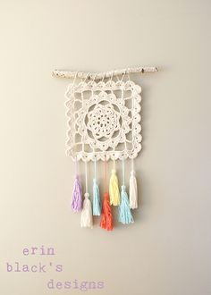 Ravelry: Dreaming of Granny, Granny Square Wall Hanging pattern by Erin Black #crochet #wallhanging #square