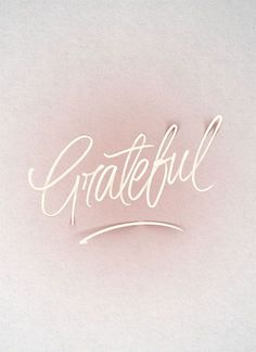 A grateful heart is a magnet for miracles! What are you feeling especially grateful for this month? Motivacional Quotes, Life Quotes Love, Quotes To Live By, Girly Quotes, Life Sayings, Simple Quotes, Yoga Quotes, The Words, Frases Tumblr