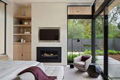 fenêtres-alu-noir-design-chambre-coucher-cheminée-moderne-rangement-niche-murale