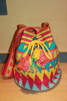 Handmade by Alpenkatzen Bucket Bag, Must Haves, Crocheting, Backpacks, Handmade, Crafts, Diy, Bags, Fashion