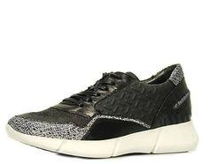 Frecher Sneaker in trendiger Aufmachung! Prägungen, bedruckte Oberflächen sowie ein neuartige Sohlenkonzeption machen dieses Modell zu einem Highlight aus der Mjus Kollektion. Leder/ Textilfutter, Lederdecksohle, Gummilaufsohle, Absatzhöhe: ca. 35 mm, Obermaterial: Glattleder/ High Tec, Farbe: schwarz kombi  http://www.belvero.de/mjus-788105-0401-0001-dicus-sneaker-schwarz-kombi