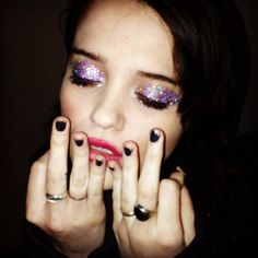 ultra violet learn how to get sky ferreira's glitter eyeshadow from her makeup artist.