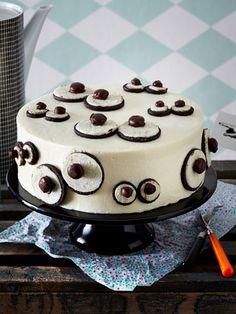 Monster-Cake im Frostingkostüm