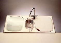 Tiskiallas, Design: Juhani Salovaara (1990), Stala Oy #stala #tiskialtaat #suomalainenmuotoilu #finnishdesign #teollinenmuotoilu #kitchensink #juhanisalovaara