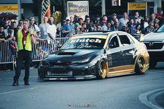 Subaru STI in Carbon and Gold on KF-007