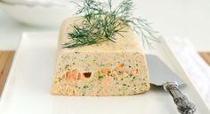 Recette Terrine de poissons au thermomix Ingrédients - 700 g de filets de poisson - 1 pavé de saumon coupé en 2 dans le sens de la longueur - 3 oeufs - 200 g de crème fraîche - Sel, poivre - 1 cc d'aneth - 4 branches de persil - Quelques gouttes de Tabasco Préparation Mixer les filets de poiss...