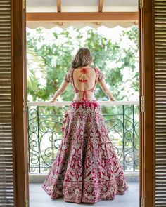 23 Sexy Backless Blouse Designs that are Sure to Turn some Heads Stylish Blouse Design, Fancy Blouse Designs, Bridal Blouse Designs, Blouse Neck Designs, Blouse Styles, Choli Designs, Lehenga Designs, Lehenga Blouse Designs Back, Lehenga Choli