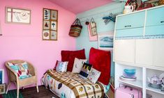 Artist Jo Oakley has filled her Whitstable beach hut with antiques and old family favourites, proving you don't need a big budget to make a small space beautiful Beach Hut Interior, Whitstable Beach, Ceiling Painting, Living On A Boat, Outside Seating, Beach Shack, Beach Huts, Making Space, Space Interiors