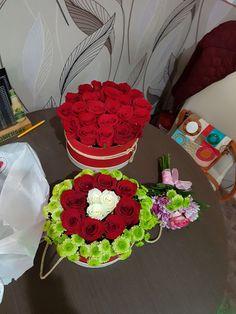 Boxes, Birthday Cake, Desserts, Food, Tailgate Desserts, Crates, Deserts, Birthday Cakes, Essen