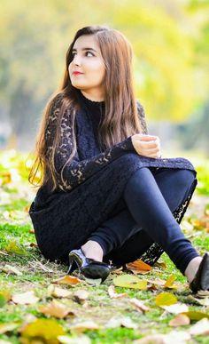 Dpz for girl Beautiful Girl Makeup, Beautiful Girl In India, Beautiful Girl Image, Beautiful Heroine, Gorgeous Girl, Cute Girl Poses, Cute Girl Photo, Cute Girls, Crazy Girls