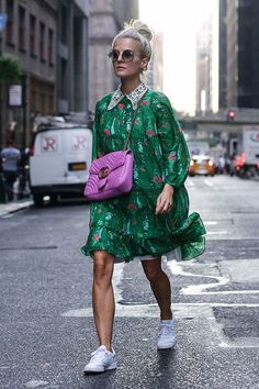 Back in my heart city I am beaming at you today in my long-kept dress (Well which fox remembers? The Wet Street Style Vintage, Look Street Style, Street Styles, Little Dresses, Nice Dresses, Floral Dresses, Looks Style, Style Me, Looks Party