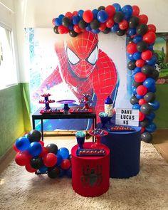 Festa na escolinha! Spiderman Theme Party, Spiderman Birthday Cake, Girl Superhero Party, Toddler Boy Birthday, Birthday Themes For Boys, Boy Birthday Parties, Birthday Diy, Little Man Party, Birthday Party Decorations Diy