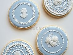 SweetAmbs - best royal iced cookie blog!  Amazing site! What talent!! this could get dangerous for me.