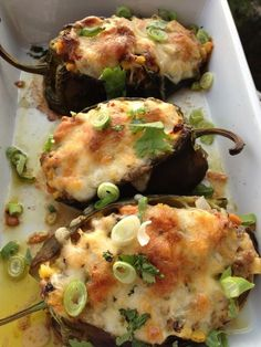 Stuffed Poblano Peppers - stuffed with sausage, pepperjack cheese and roasted corn. Or substitute beans for the sausage to make a vegetarian version. - from Lemony Thyme Mexican Dishes, Mexican Food Recipes, Spanish Recipes, Cocina Light, Stuffed Poblano Peppers, Stuffed Poblanos, Stuffed Pablano Pepper Recipe, Good Food, Yummy Food