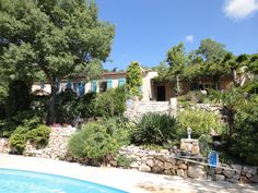 BARGEMON: Pretty house of approximately 115 m2 livingspace consists of:  Living room with fireplace. Fully equipped kitchen. 4 bedrooms. 2 shower rooms. 2 WC. Garage. Covered terrace with barbecue. Pool. Anneks. 1800 m2 land. PRICE euro 445.000.