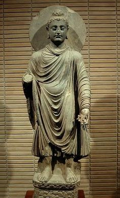 Explanation of the Four Noble Truths and The Eightfold Path in Buddhism Buddhist Texts, Buddhist Art, Pakistan, Alexandre Le Grand, Standing Buddha, Bodhi Tree, Sacred Art, Art And Architecture, Asian Art