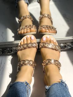 Find New Look's elegant variety of women's heeled sandals, along with stop bottom of heel flip flops, strappy sandals and network looks. Jelly Shoes Outfit, Cute Shoes Flats, Rothys Shoes, Buy Shoes, Sock Shoes, Sandals Outfit, Flat Sandals, Heeled Sandals, Strappy Sandals