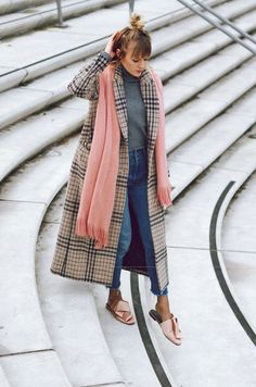 schal, rosa, acne, loafer, H&M, jeans, highwaist, mantel, coat, mango, karo, checkered