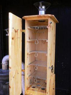 Деревянная самодельная коптильня для горячего и холодного копчения. | Столярный блог.