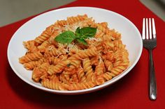 Pasta with Red Pepper Cream Sauce