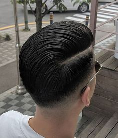 Vintage Hairstyles For Men, Mens Hairstyles With Beard, Slick Hairstyles, Hairstyles Haircuts, Curly Hair Men, Curly Hair Styles, Side Part Haircut, Pompadour Fade, Gents Hair Style