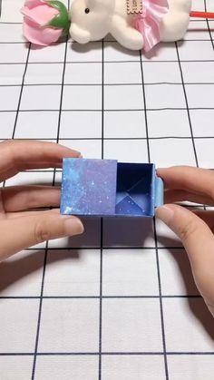 Diy Gifts Paper, Cool Paper Crafts, Paper Crafts Origami, Diy Crafts Hacks, Diy Crafts For Gifts, Diy Home Crafts, Cute Crafts, Diy Paper, Decor Crafts