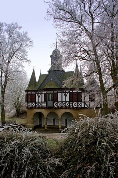 Enchanting: Popperöder Brunnenhaus - Mühlhausen, Thuringia, Germany    repinned by www.mybestgermanrecipes.com
