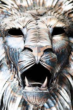 Incredibly Majestic Lion Made of 4,000 Metal Scraps - My Modern Metropolis