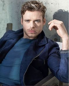 Risultati immagini per foto per grazia richard madden Richard Madden, Hot Actors, Actors & Actresses, King In The North, Scarlett, Attractive People, Famous Men, Gorgeous Men, Beautiful People