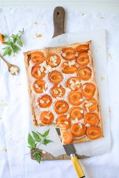 apricot frangipane tarte with almond cream.