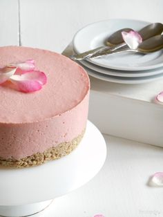 RECELANDIA: Tarta Nesquik de fresa (Yo usaria fresas naturales an lugar de Nesquik)