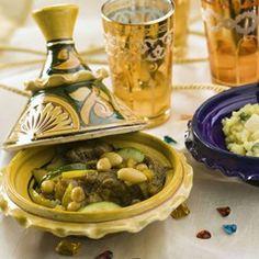Tajine: Stoverij met rundvlees, div. groenten en kruiden uit de Marokkaanse keuken.