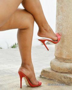 high heels – High Heels Daily Heels, stilettos and women's Shoes Sexy Legs And Heels, Hot High Heels, Dress And Heels, Beautiful High Heels, Gorgeous Feet, Beautiful Legs, Stilettos, Stiletto Heels, Pumps