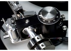 We used the Tri-Planar mk. VIII tonearm with the Spiral Groove SG-2 Turntable