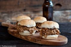 Slow Cooker Beer and Brown Sugar Pulled Chicken Sliders. Best meal to come out of my slow cooker. Crock Pot Slow Cooker, Crock Pot Cooking, Slow Cooker Recipes, Crockpot Recipes, Cooking Recipes, Chicken Recipes, Yummy Recipes, Cooking Tips, Dinner Recipes