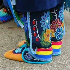 My leggings, mocs and water dress. Keep seeing this photo on Pinterist. Native American Moccasins, Native American Clothing, Native American Regalia, Native American Crafts, Native American Beadwork, Indian Beadwork, Native Beadwork, Powwow Regalia, Native Style