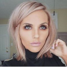 How i want my hair: rose gold low lights blonde hair, hair inspiration, Gold Blonde Hair, Rose Gold Short Hair, Rose Gold Toner Hair, Grey Blonde, Blonde Pink Balayage, Diy Rose Gold Hair, Blonde Hair For Fall, Blonde Fall Hair Color, Short Hair