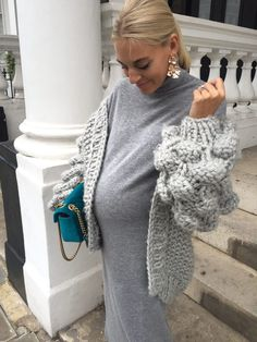 Midi Knit Styled Three Ways Maternity Fashion Dresses, Cute Maternity Outfits, Stylish Maternity, Maternity Wear, Fashion Outfits, Fashion Fashion, Baby Bump Style, Mommy Style, Pregnancy Wardrobe