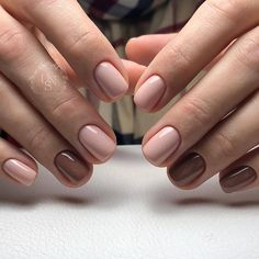 Want some ideas for wedding nail polish designs? This article is a collection of our favorite nail polish designs for your special day. Stylish Nails, Trendy Nails, Cute Nails, Nail Polish Designs, Nail Designs, Hair And Nails, My Nails, Wedding Nail Polish, Gel Nails At Home