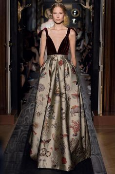 Valentino.  Would you look at that beautiful rich fabric.