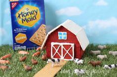 Honey Maid Graham Crackers can easily be transformed into a red barn for your farm themed event or any day craft. Graham Cracker House, Honey Maid Graham Crackers, Barn Cake, Vegetarian Cookies, White Icing, Cookie Icing, Baking Tips, Amazing Cakes, Red And White
