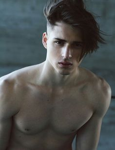 Men's Haircuts - Men's Hairstyles | Hairflips.net