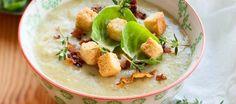 Spruitjessoep met bacon-croutontopping Bacon, Potato Salad, Potatoes, Meat, Chicken, Ethnic Recipes, Food, Potato, Essen