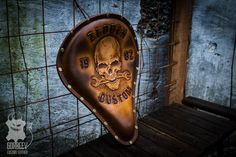 Bobber Seat, Custom Motorcycles, Chopper, Leather Craft, Hiking Boots, Crafts, Leather, Leather Crafts, Manualidades