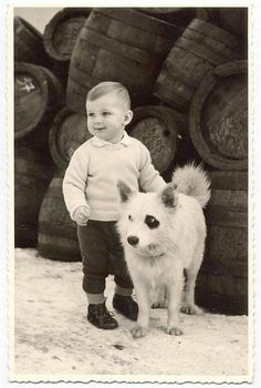 Celebrating Annie's birthday with 25 darling black and white vintage dog photos Retro Pictures, Old Pictures, Animal Pictures, Vintage Abbildungen, Vintage Black, Love My Dog, Vintage Children Photos, Man And Dog, Dogs And Kids