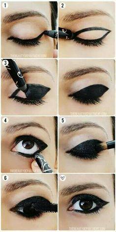 Maquillage noir magnifique gothique Black Gothic make up ! http://www.pinterest.com/disavoia11/