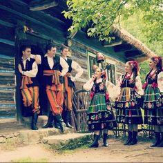 Polish Embroidery, Polish Folk Art, Historical Costume, Traditional Outfits, Poland, Romance, Tumblr, Culture, Places